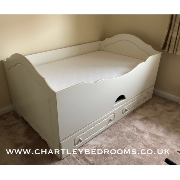 Double Cabin Bed With Pull-Out 3rd Bed