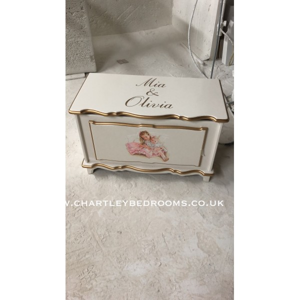 Portrait Toy  Box With Double Girls And Names