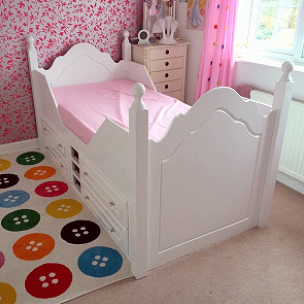 Cabin Bed With Posts & Crystal Knobs