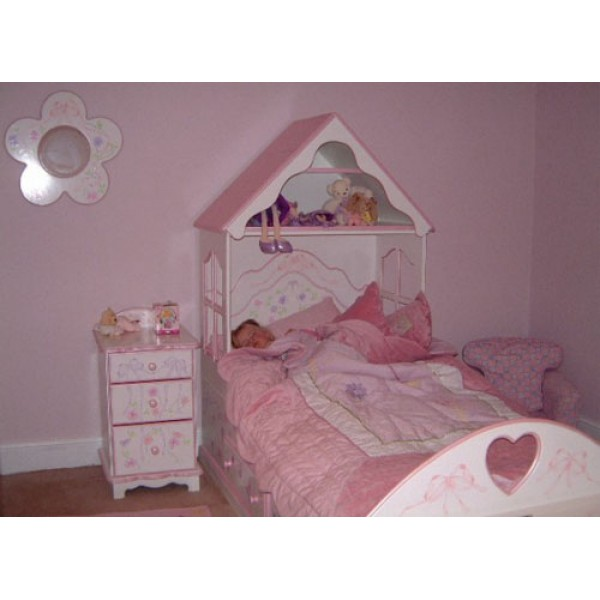 Cabin Dolls House Bed For Olivia