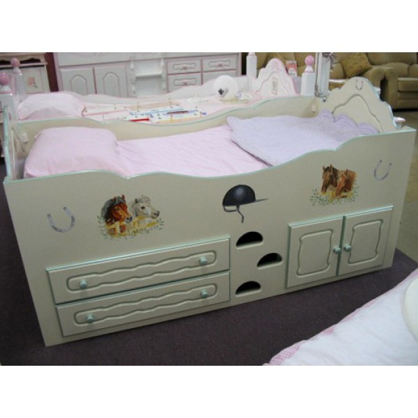 Cabin Bed Pretty Ponies & Routing