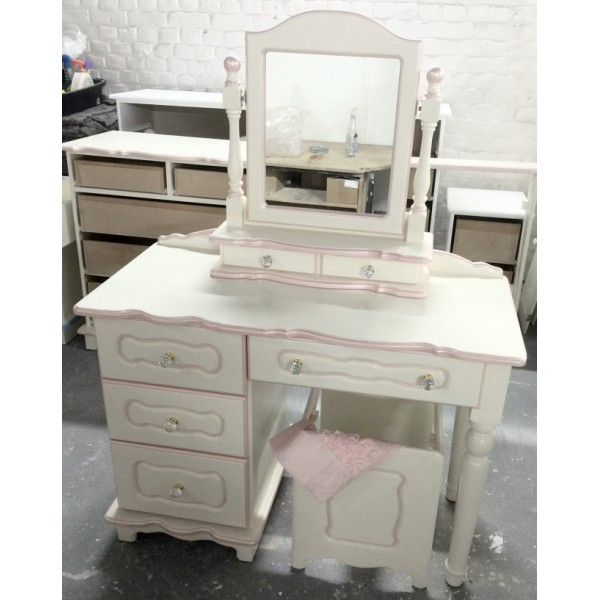 Dressing Table White With Pearlised Trim Inc. Crystal Knobs