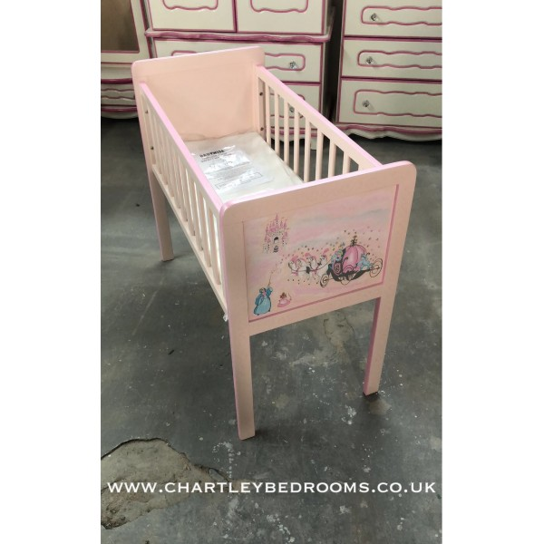 Crib With Carriage Artwork Very Pink
