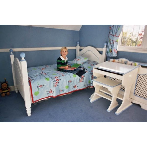 Boys Prince Bed For Ryan With Posts