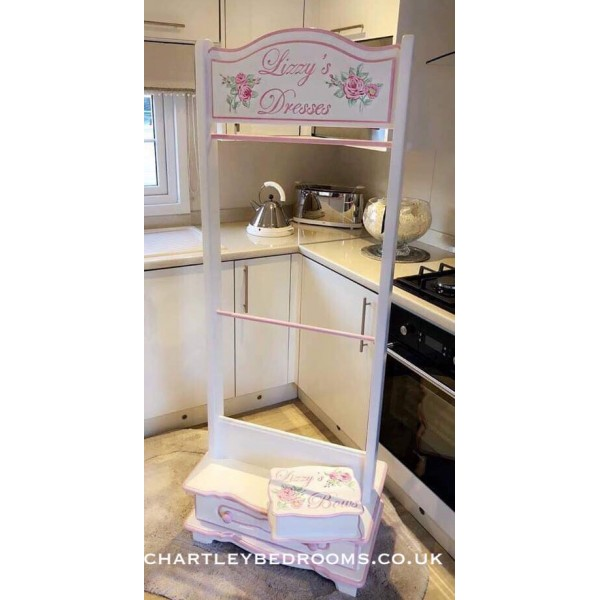 Clothes Rail With Drawer - Vintage Rose Art